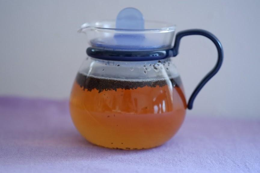茶葉が浮かび上がる